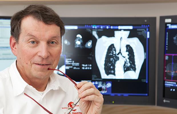 Dr. Hausegger